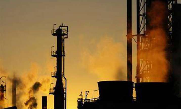 one killed 4 injured in fire at mangalore refinery