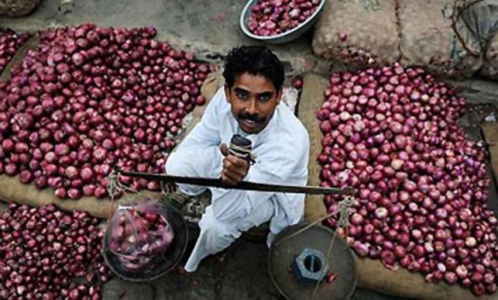 onions selling for rs 70 90 a kg in delhi nafed selling at