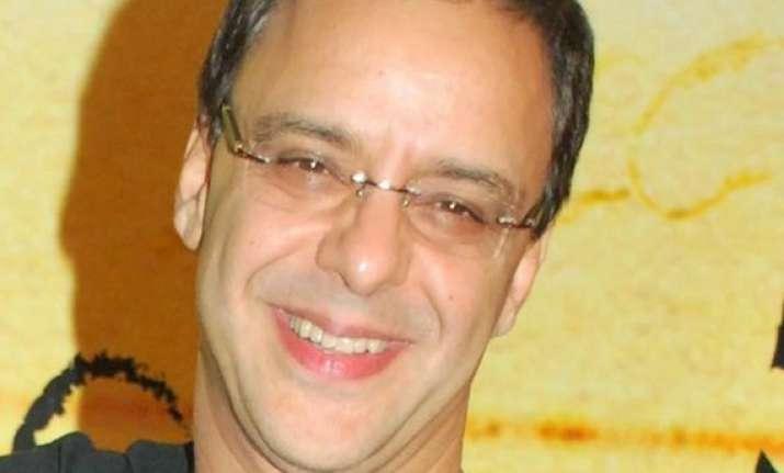 open movie halls in kashmir says vidhu vinod chopra