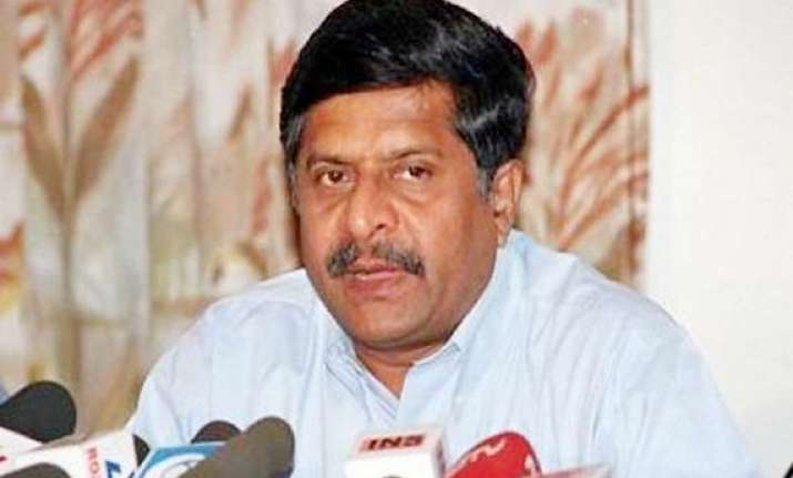 oppn slams congress for blaming foreign forces
