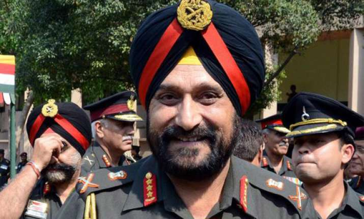 outgoing army chief commends modi govt s approach to