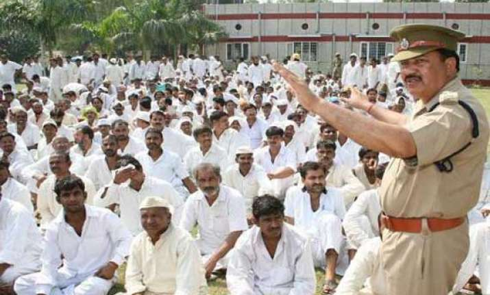 over 150 hindu inmates keep roza with 2 300 muslims at tihar