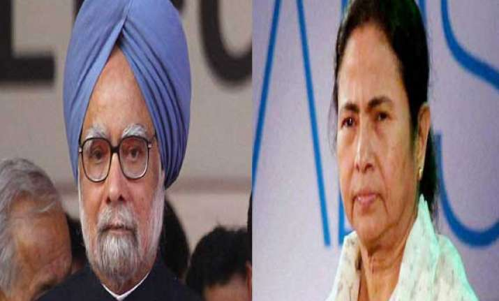 pm mamata to share dais tomorrow in kolkata