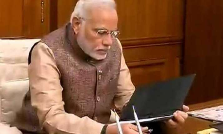 pm modi outlines priorities asks ministers to fix 100 day