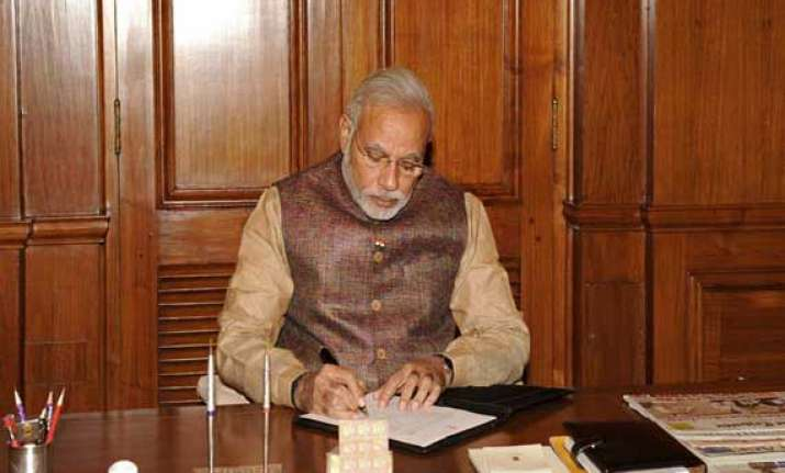 pm discusses monsoon contingency plan for 500 districts