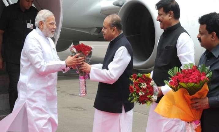 pm narendra modi visits barc to meet bjp office bearers