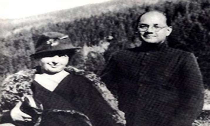 pmo refuses to release files on netaji s widow daughter