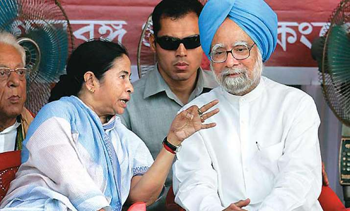 pm did not call me during my agitation says mamata