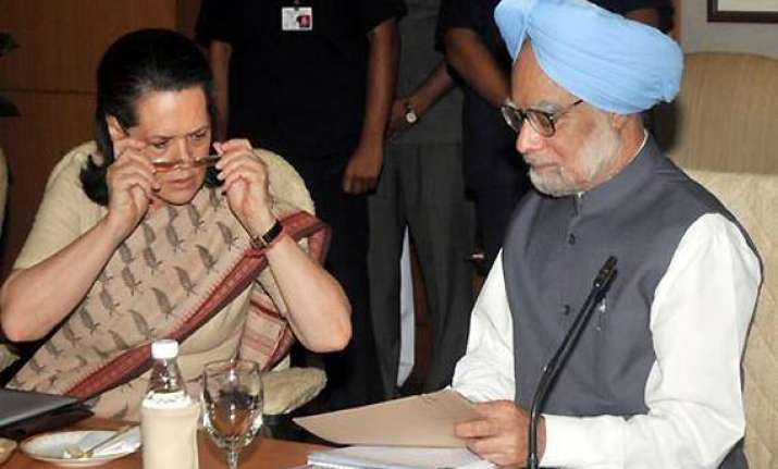 pm holds consultations with upa allies on lokpal