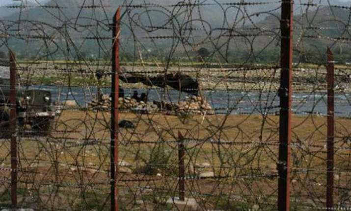 pak troops fire at indian positions near poonch indian army
