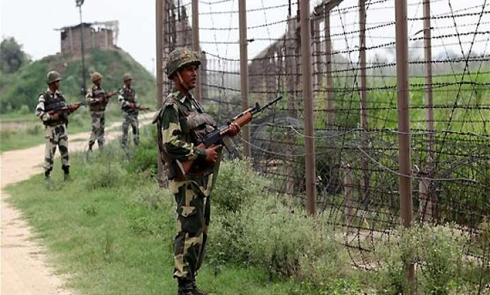 pak troops kill indian army jawan in loc firing