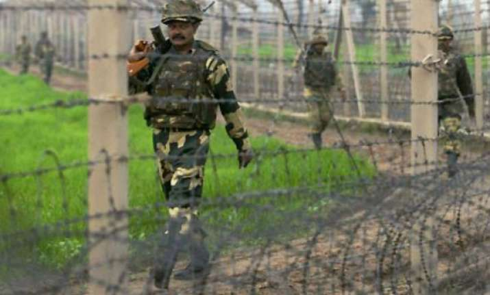 pak troops pound 14 indian posts civilian areas in j k
