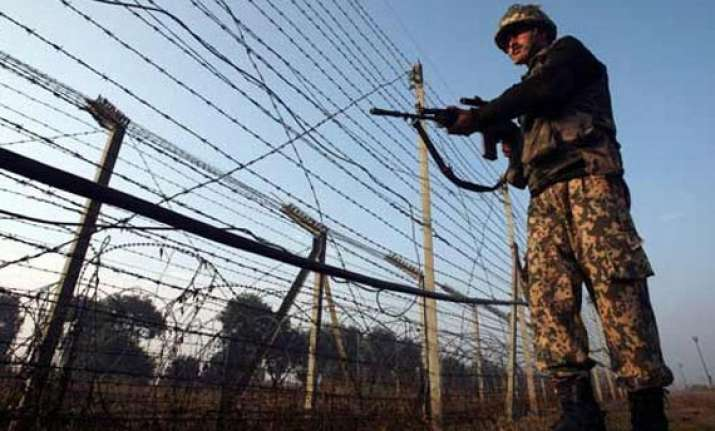 pak violates ceasefire again targets indian posts in poonch