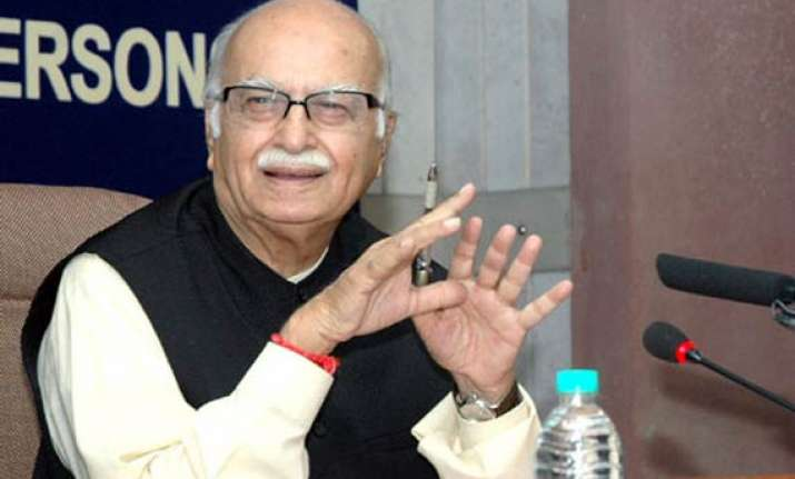 pak told white lie on dawood says advani
