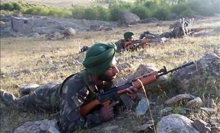 pak troops violate ceasefire heavy firing along loc