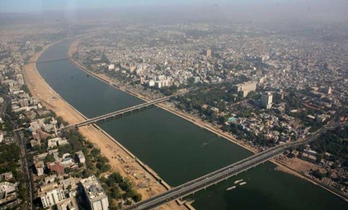 pakistan delegation visits sabarmati riverfront pm s pet
