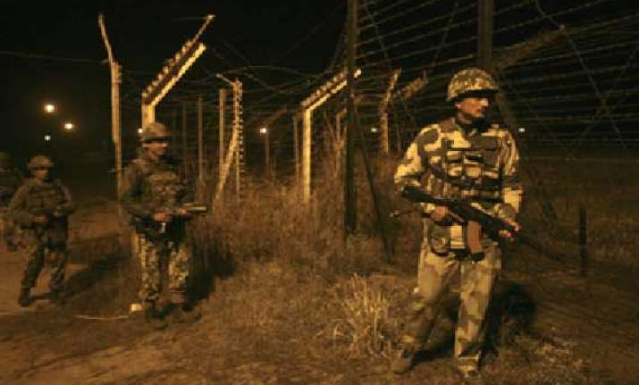 pakistan opens fire in jammu offers flag meeting