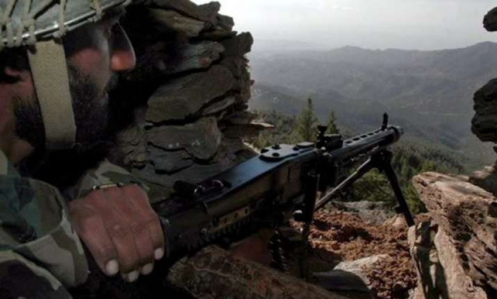 pakistan violates ceasefire fires at indian posts in karnah