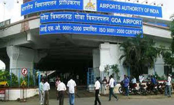 parents abandon 11 year old at goa airport leave for dubai