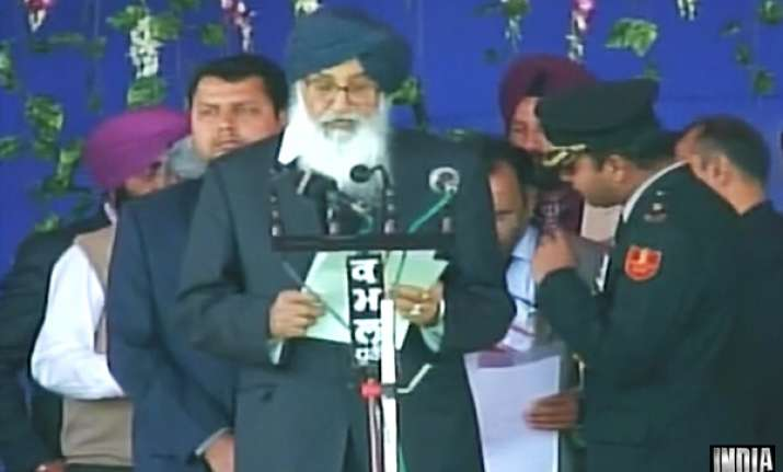 parkash singh badal sworn in as punjab cm for record 5th