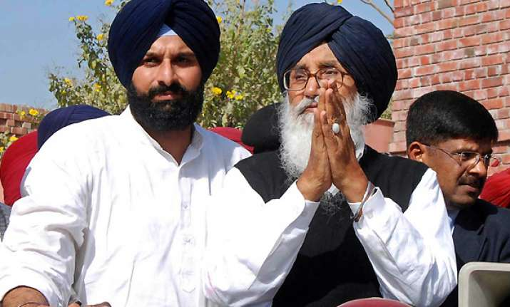parkash singh badal creates two records in one go