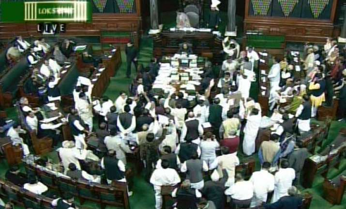 parliament session likely to be extended for lokpal