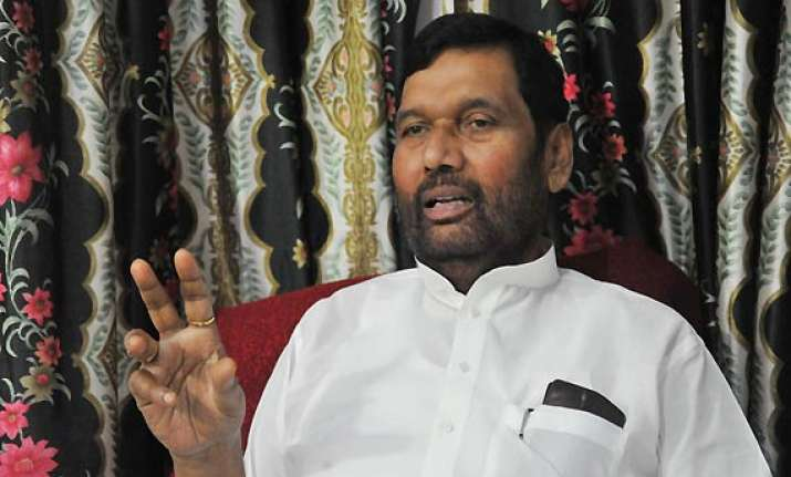 paswan boycotts meeting of par panel on lokpal