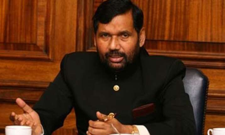 paswan demands dalit in joint drafting panel