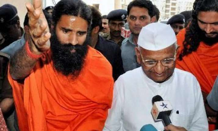 patch up bid by team anna to join ramdev protest on aug 9