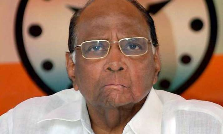 after anna attack pawar quits gom on corruption
