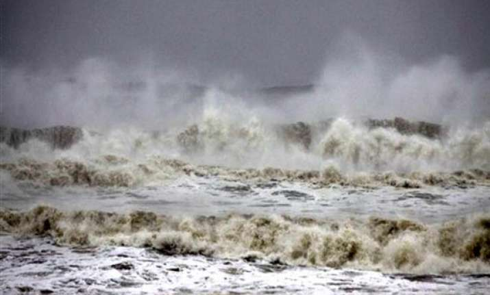 phailin is not super cyclone says indian meteorological