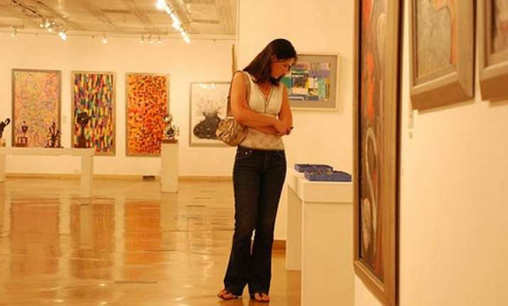 photo exhibition highlights indian culture in vietnam