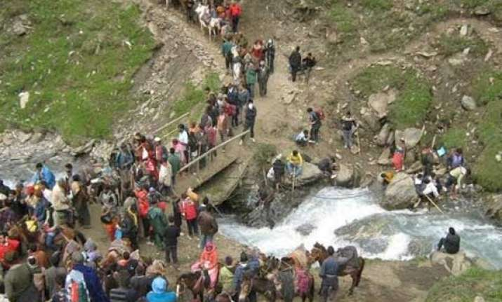 pilgrim dies en route amarnath shrine death toll mounts to
