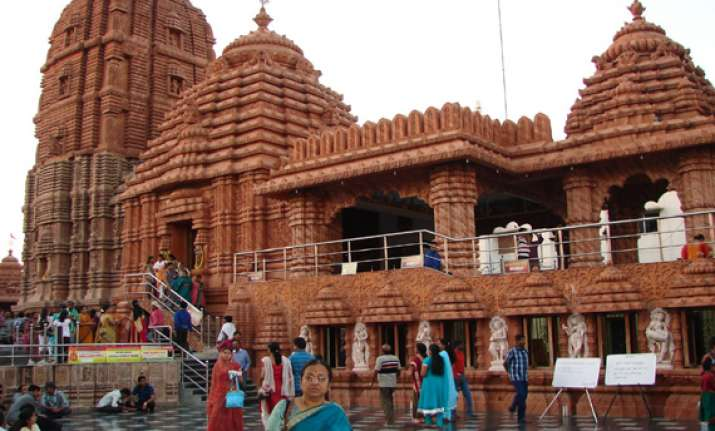 pilgrim robbed inside jagannath temple