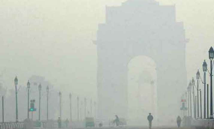 pleasant tuesday in delhi wednesday to have foggy start