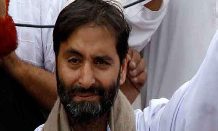 police arrest yasin malik in srinagar prevent march