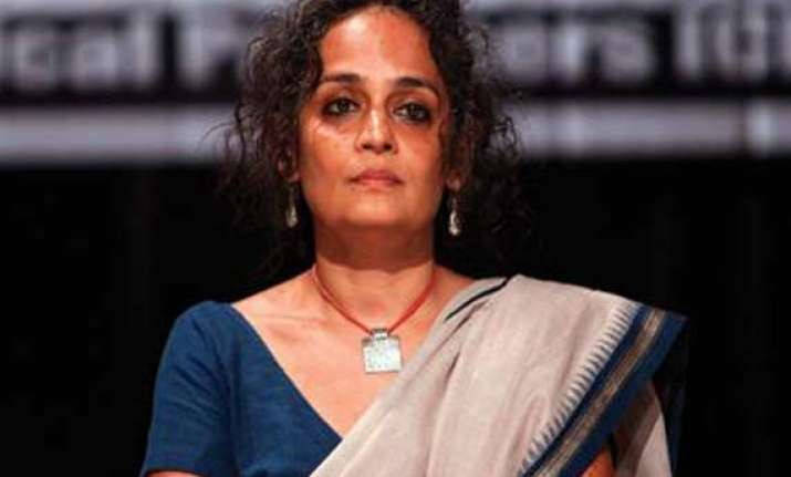 police seek video of arundhati roy s controversial speech
