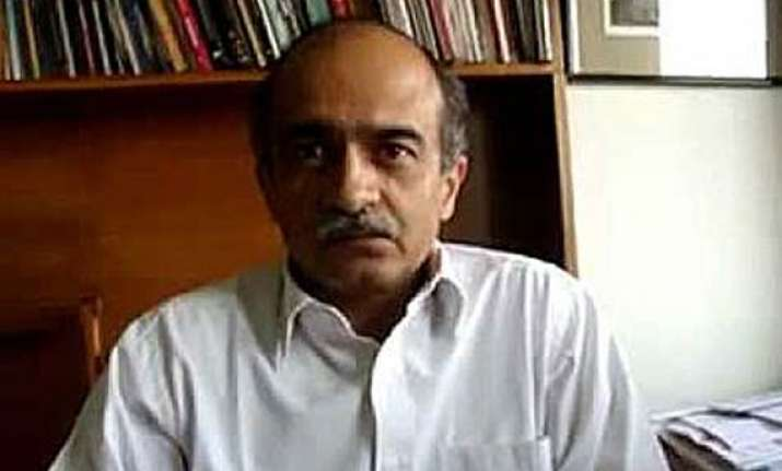 prashant bhushan says will approach sc if police takes