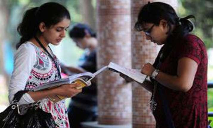 pre university exams karnataka to follow national pattern