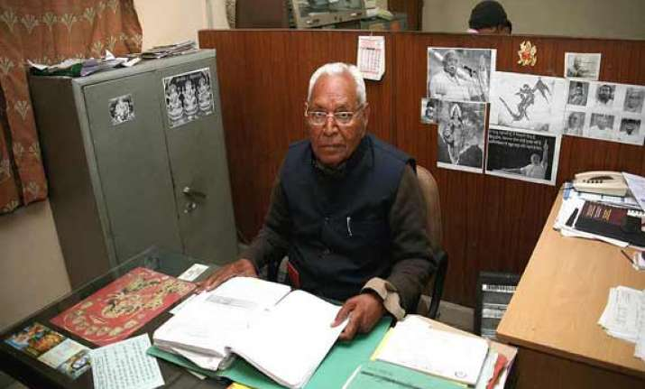 preparing a blueprint to indianise education dinanath batra