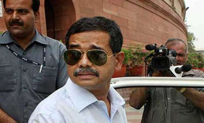 president s son abhijit mukherjee facing tough battle in