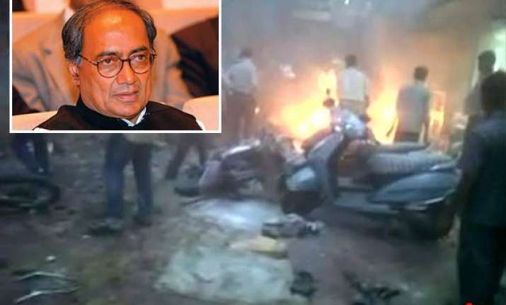probe role of terror groups including hindu outfits digvijay