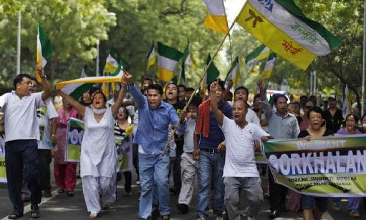 protest groups spar over gorkhaland stir