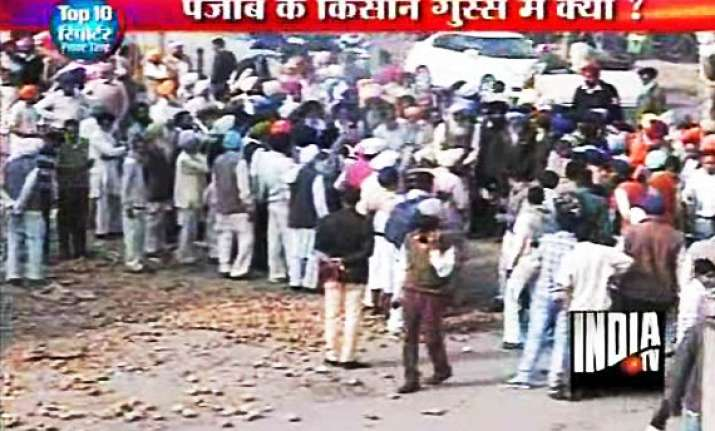punjab farmers to throw potatoes on road to protest low