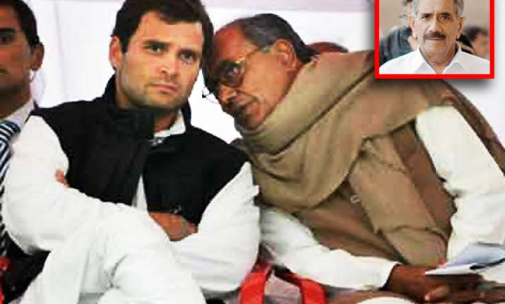 r k dhawan lashes out at advisers for misguiding rahul