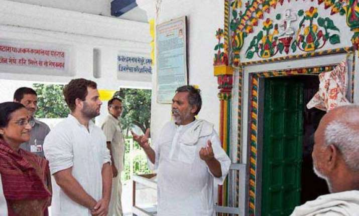 rahul gandhi tours eastern up