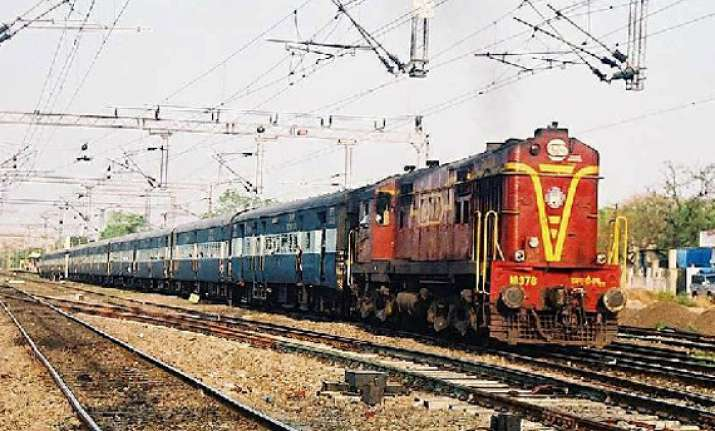 railways extends ticket booking period to 120 days