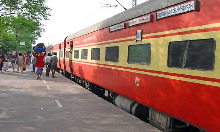railways makes id proof mandatory for ac class passengers