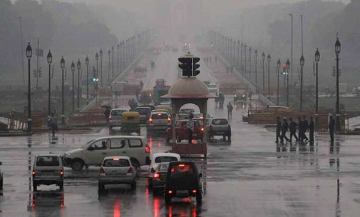 rain brings relief to delhi ncr strong winds uproot trees