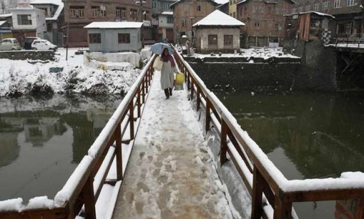 rain snowfall in kashmir valley